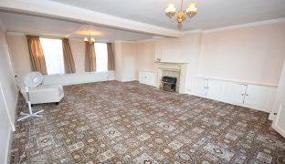 Beccles - 5 Bedroom Town House