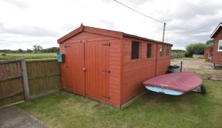 Martham - 2 Bedroom Detached bungalow