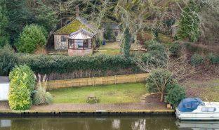 Bramerton - 2 Bedroom detached cottage