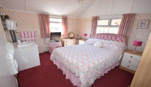 Repps with Bastwick - 3 Bedroom Detached bungalow