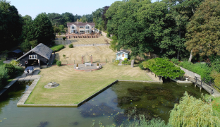 Oulton Broad - 7 Bedroom Detached house
