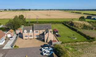 Martham - 7 Bedroom Detached house
