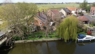 Beccles - 6 Bedroom Detached house