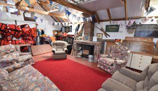 Potter Heigham - 4 Bedroom Detached bungalow and boatshed